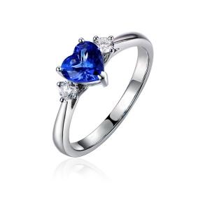 0.715克拉蓝宝石 4分钻石戒指