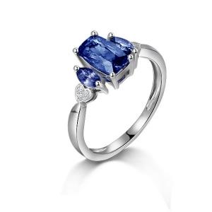 2.080克拉蓝宝石 2分钻石戒指