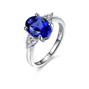 0.900克拉蓝宝石 50分白蓝宝戒指