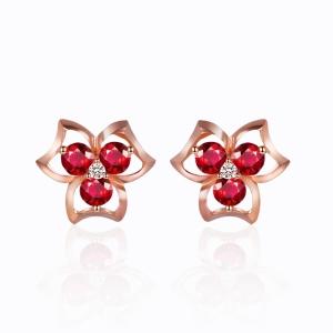 红宝钻石耳钉