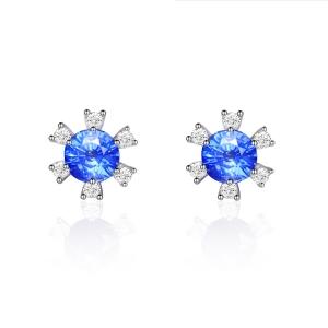 蓝宝石钻石耳钉