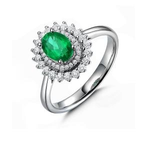 0.81克拉祖母绿钻石戒指