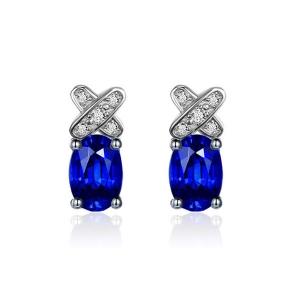 1.030克拉蓝宝石钻石耳钉