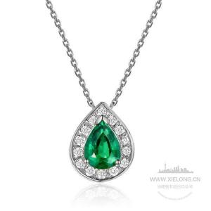 祖母绿钻石吊坠