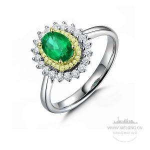 祖母绿钻石戒指