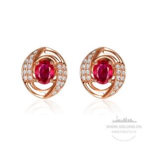 0.900克拉缅甸鸽血红红宝石钻石耳钉