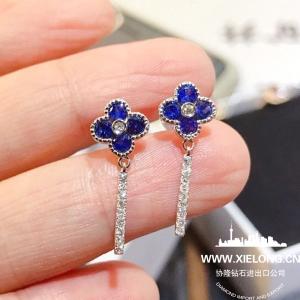 0.990克拉蓝宝石钻石耳钉