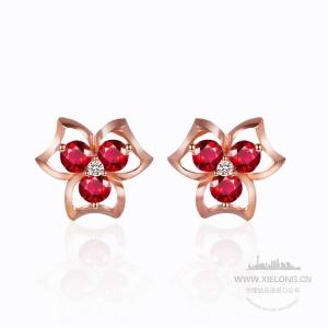 0.270克拉红宝石钻石耳钉