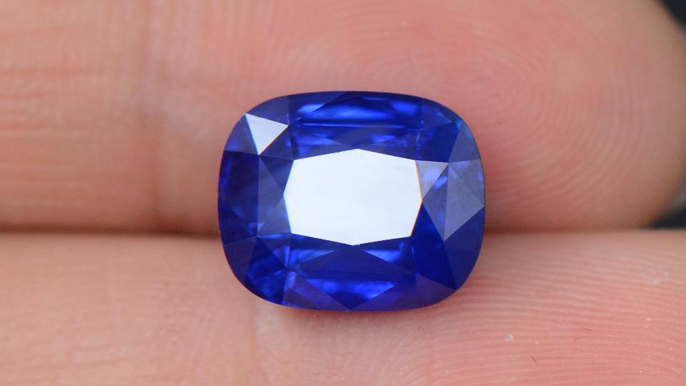 矢车菊蓝宝石